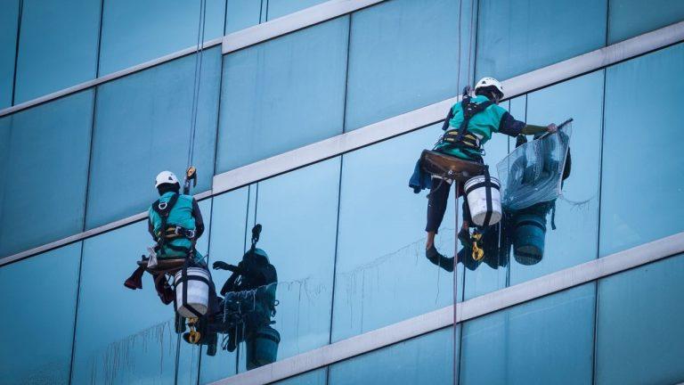 Como iniciar um serviço de limpeza de janelas de Sucesso