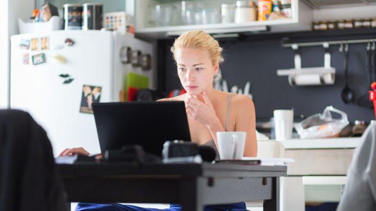 11 Ótimas Maneiras de Como Trabalhar em Casa