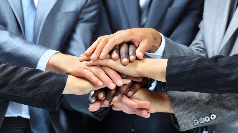 Economia Solidária: O que é, como funciona e Exemplos