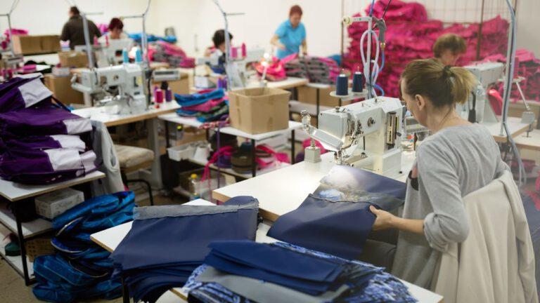 Fábrica de Roupas: Como Montar e Dicas para Trabalhar com Sucesso
