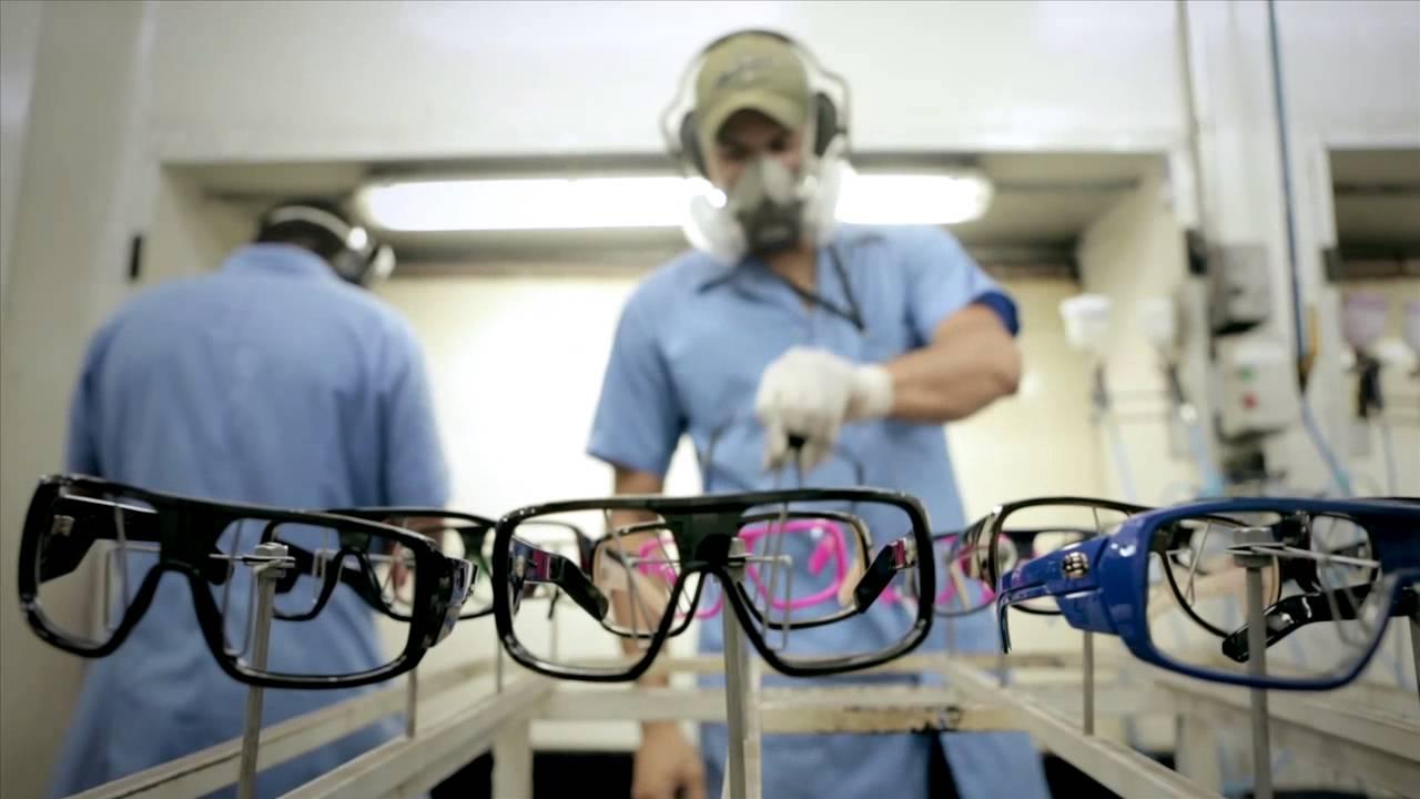 3 Procedimentos Fundamentais para Abrir uma Fábrica de Óculos