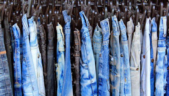 Aprenda a Comprar Jeans No Atacado