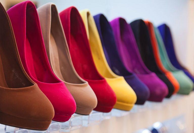7 Melhores Franquias de Sapatos analisando CUSTO X RETORNO