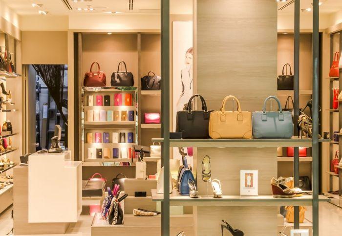 Layout de loja de calçados e bolsas