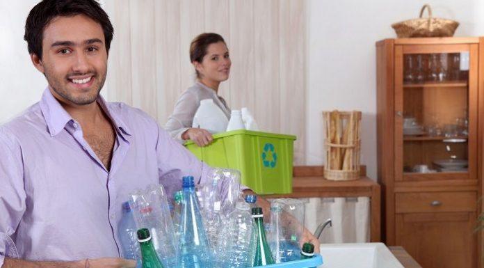 Reciclagem com garrafa pet